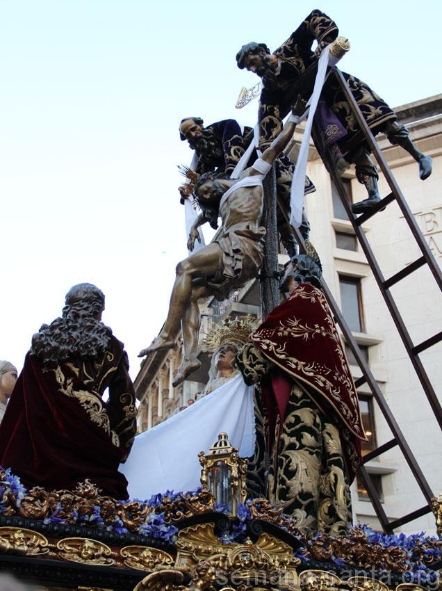 Itinerarios, estrenos, música, datos de interés de las Hermandades del Jueves Santo